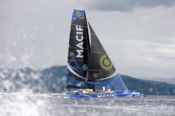 Route du Rhum: Francis Joyon and François Gabart battle it out for a breathtaking finish